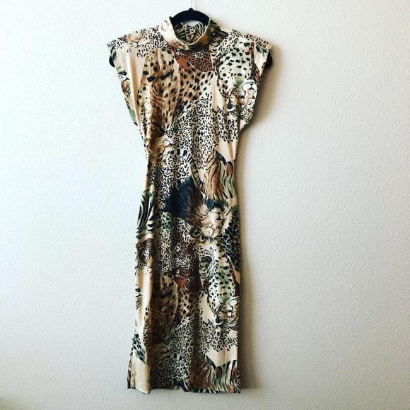 Vintage Dresses & Skirts - Vintage Leopard Dress w/ Shoulder Pads